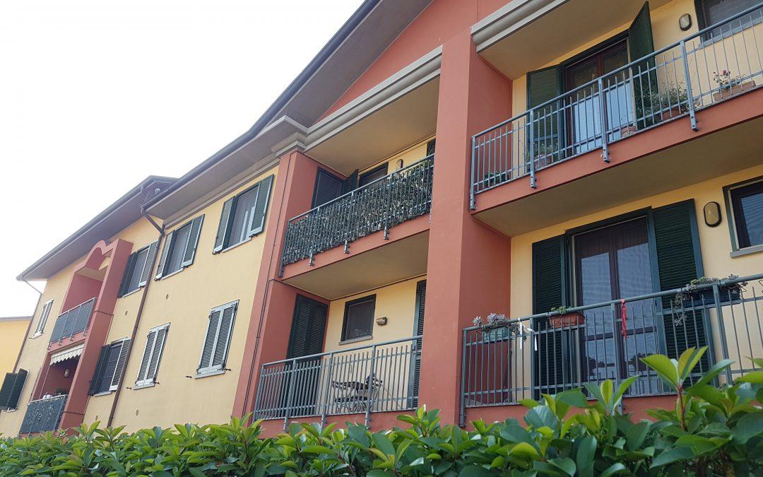 Mulazzano, proponiamo luminoso e silenzioso bilocale con ampia balconata e cantina, Via dei Tigli.