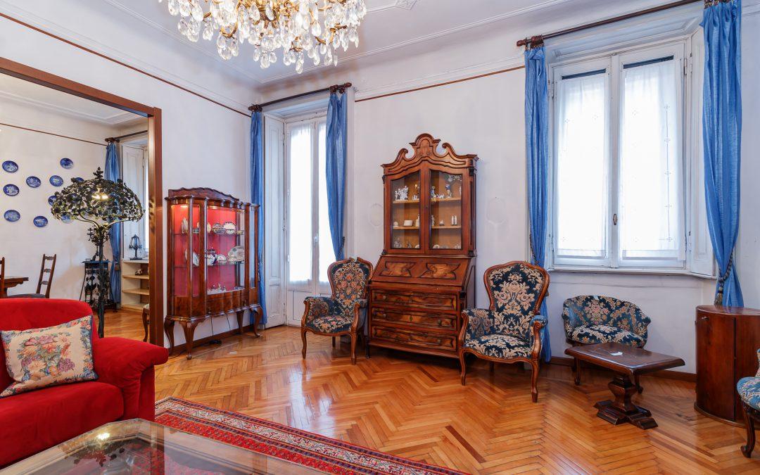 Elegante e signorile quadrilocale con splendidi dettagli d'epoca! Fascinosa palazzina!in Via Maiocchi, Milano.