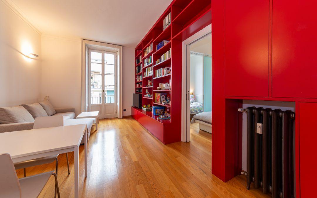 Via Sansovino, vendiamo ampio bilocale piano alto ristrutturato, due balconi
