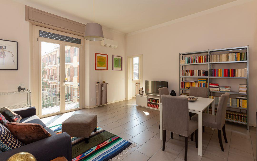 Ampio bilocale con cucina abitabile completamente ristrutturato. ampio balcone e cantina.