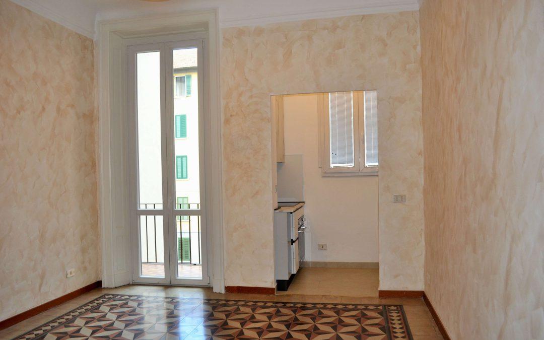 Bilocale PIANO ALTO con balcone e ampia cantina, Via Carpaccio, Milano.